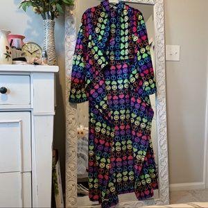 Snuggie (wearable blanket)